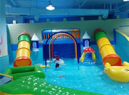 儿童水上乐园设备更新的重要性